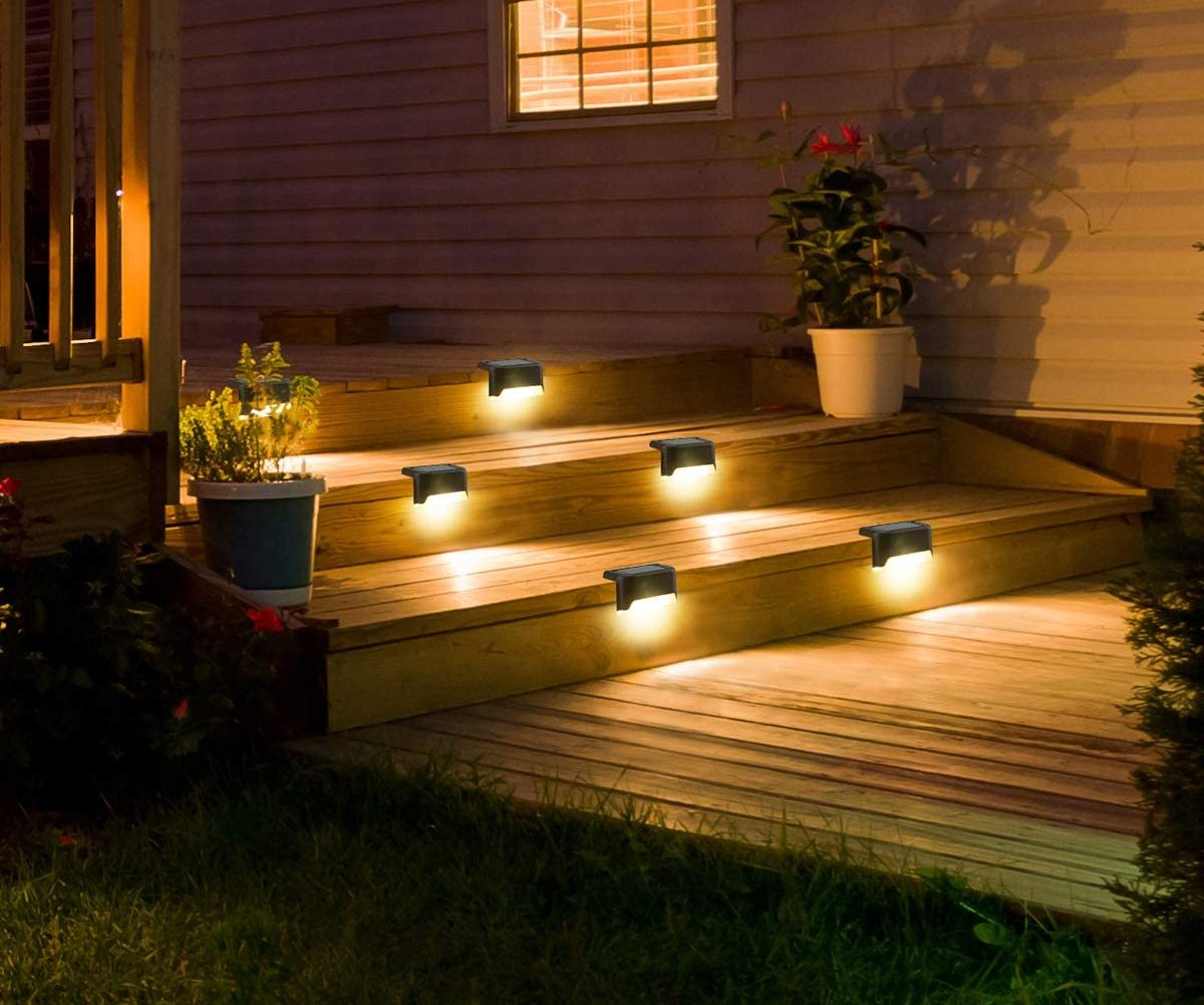 Step lights for outdoors